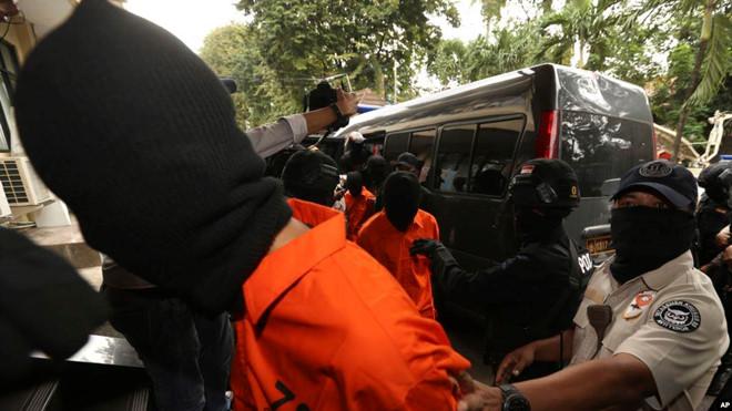 Nỗi lo khủng bố kiểu mới ở Indonesia: Kích hoạt nổ bom qua Wi-Fi