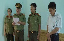 Tám thí sinh được Phó Giám đốc Sở GD & ĐT Sơn La nâng điểm là con của những ai?