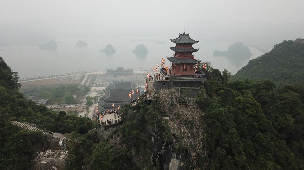 Chùa Tam Chúc Hà Nam lung linh huyền bí, trái tim Vesak 2019