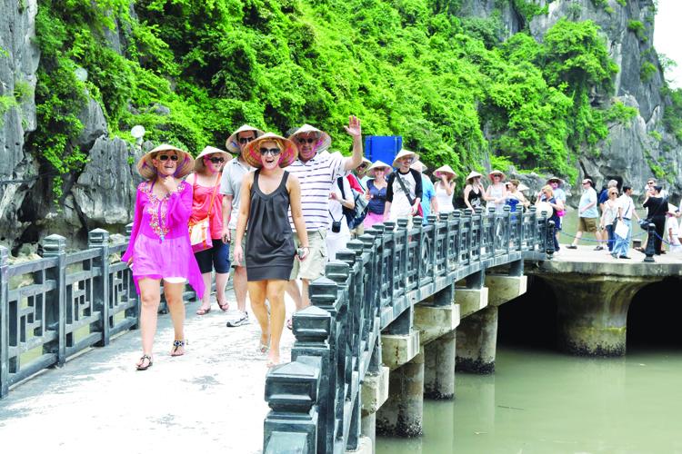 Thống kê lượt khách quốc tế đến Việt Nam tháng 4 và 4 tháng năm 2019