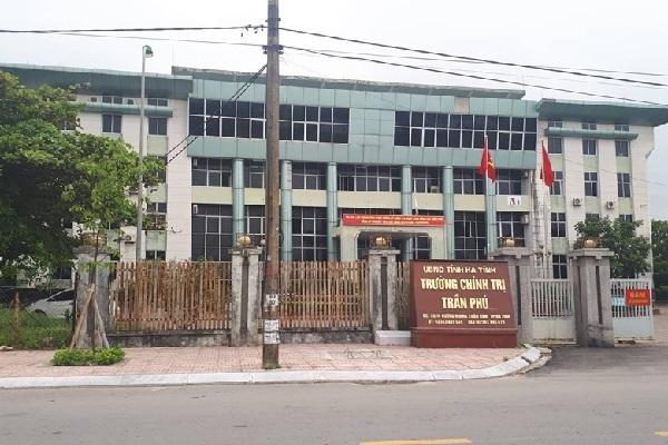 Đăng sai sự thật lên Facebook, Phó bí thư Trường chính trị ở Hà Tĩnh mất chức