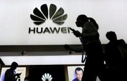 Tiêu diệt Huawei quan trọng hơn gấp 10 lần chiến tranh thương mại với Trung Quốc