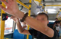 Công an Hà Nội đang làm rõ vụ việc một người đàn ông thủ dâm trên xe buýt