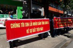 Hàng trăm người mua đất 'dự án ma' kêu cứu ở trước trụ sở công an Long An