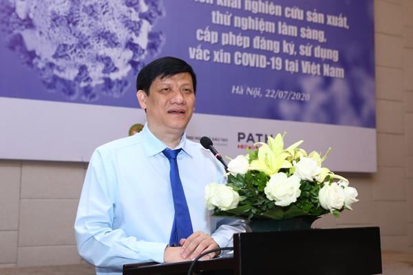 Quyền Bộ trưởng Y tế: Việt Nam chuẩn bị thử nghiệm vắc xin Covid-19 trên người
