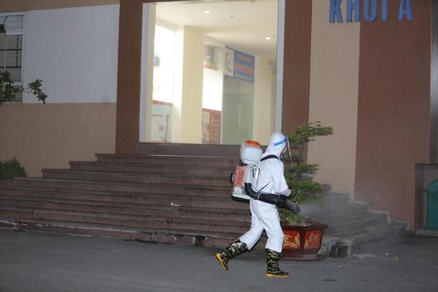 Hà Nội phong tỏa một tòa chung cư có ca mắc Covid-19