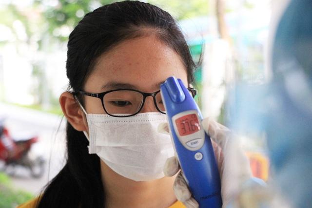 Hành trình dày đặc đến Hà Nội, Huế, Quảng Bình, Quảng Trị của bệnh nhân số 727