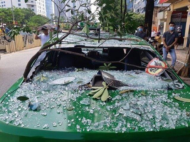 Nhà hàng Nhật Bản tại Hà Nội nổ lớn, 3 người bị thương