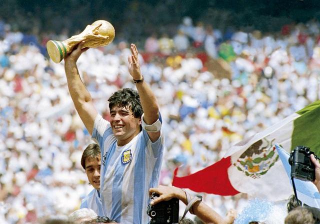 Maradona vô địch Wolrd Cup 1986 cùng tuyển Argentina
