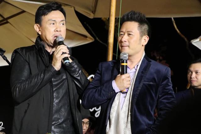 Ca sĩ Bằng Kiều và danh hài Chí Tài biểu diễn chung trong một chương trình tại Đà Lạt vào tuần trước.